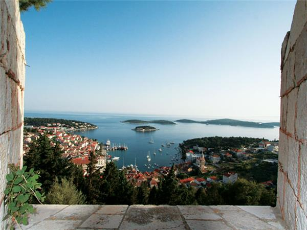 Croatia sailing holiday, Dubrovnik to Split