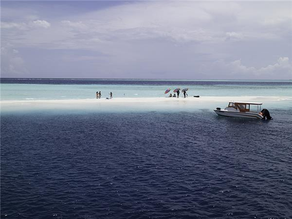 Maldives holidays, Dhoni cruise