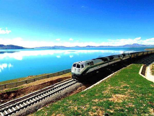 Tibet holiday by train from China