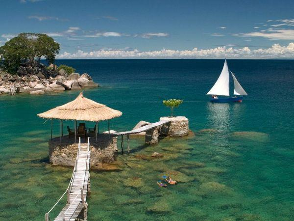 Malawi & Zambia holiday, safari & beach
