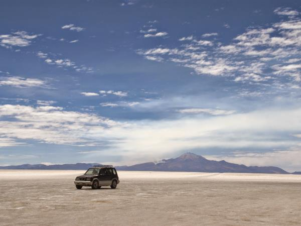 Bolivia salt lakes, lagunas & volcanoes holiday