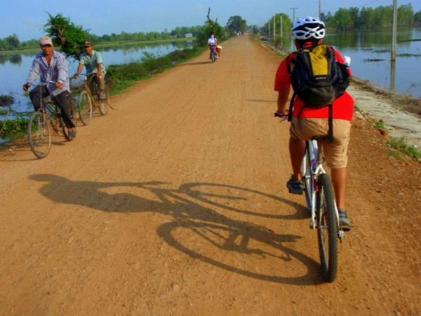 Cambodia cycling tour, tailor made