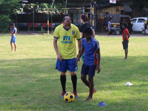 Sports coaching volunteering in Sri Lanka