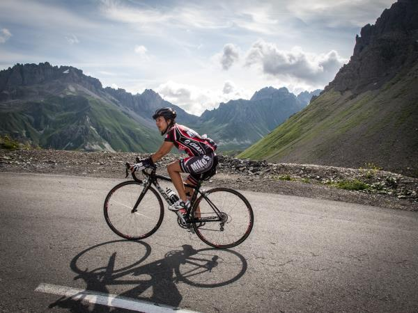 Alps cycling holiday, Geneva to Alpe d'Huez