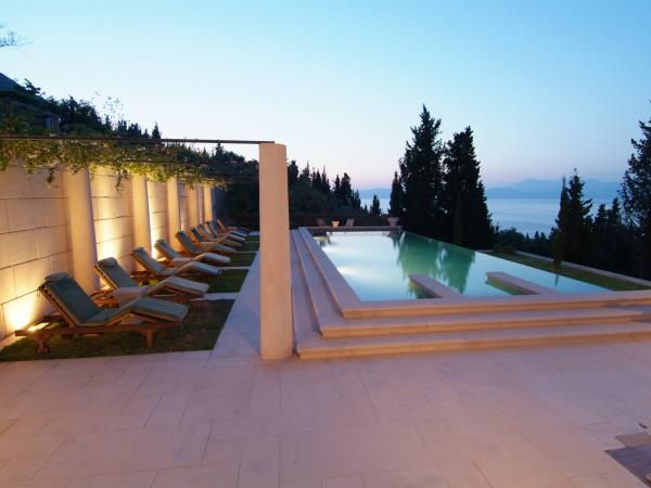 Luxury Greek Island holiday accommodation