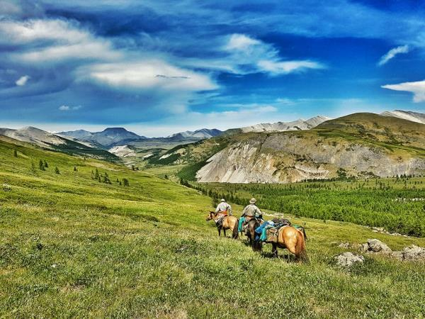 Exploratory horse trekking holiday in Mongolia