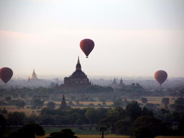 Myanmar 9 day highlights tour