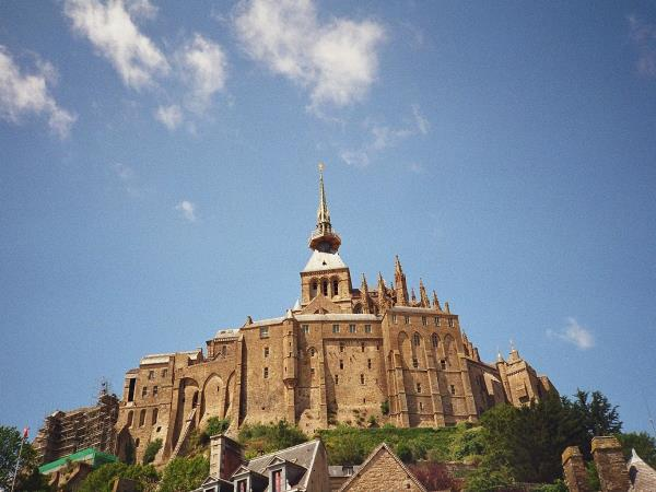 Mont Saint Michel self guided cycling tours in Normandy & Brittany