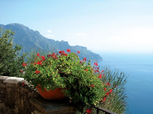 Amalfi Coast hike, boat & kayak holiday
