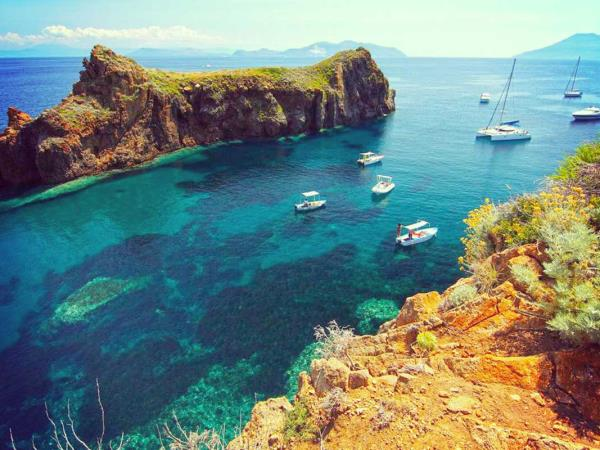 Yacht charter in Sicily Aeolian islands, 8-12 people