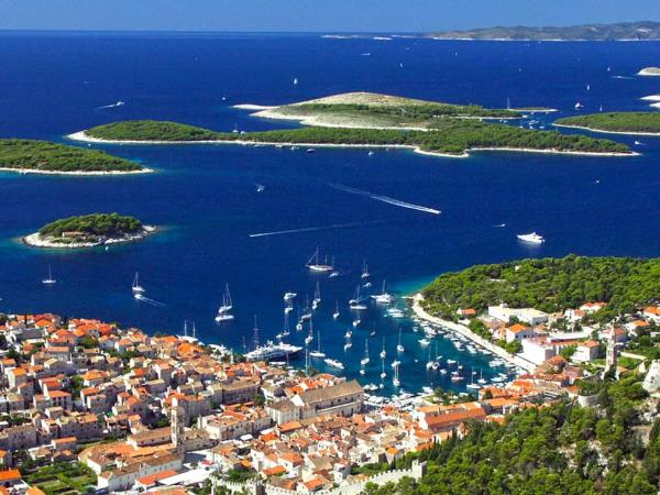 Dalmation Coast yacht charter in Croatia, families