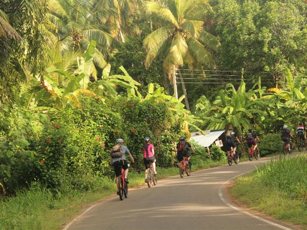 Sri Lanka coast to coast cycling holiday