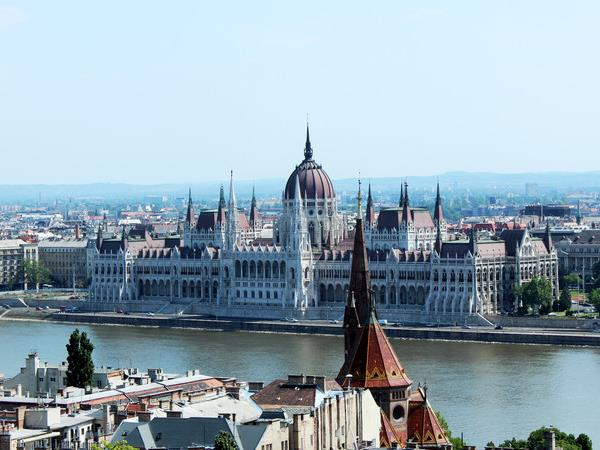 Budapest to Bucharest small group tour