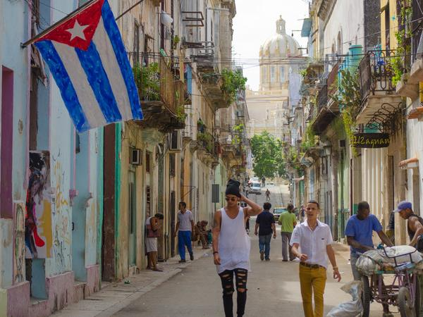 Cuba on a Shoestring small group holiday