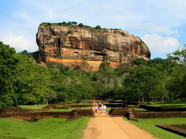 Family tour to Sri Lanka