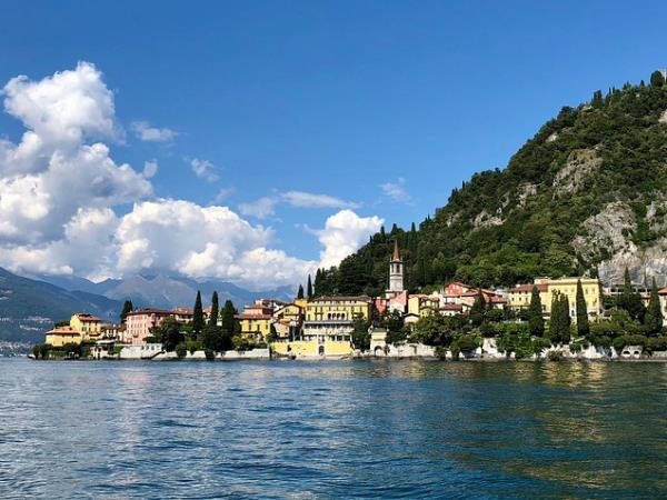 Lake Como art holiday