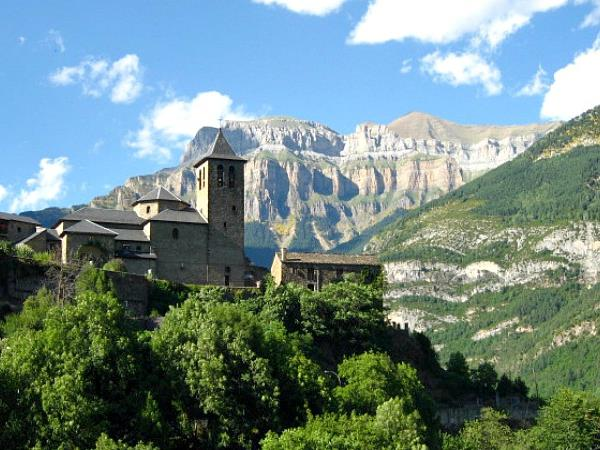 Self catering accommodation in the Spanish Pyrenees