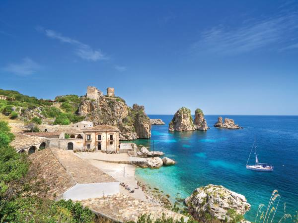 Sicily bareboat sailing holiday