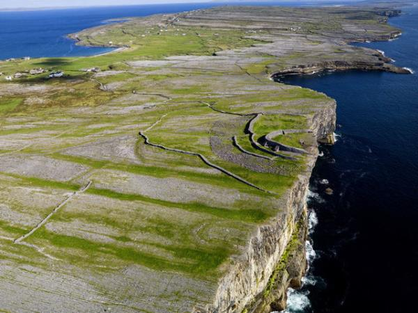 Burren Way cycling tour in West Ireland