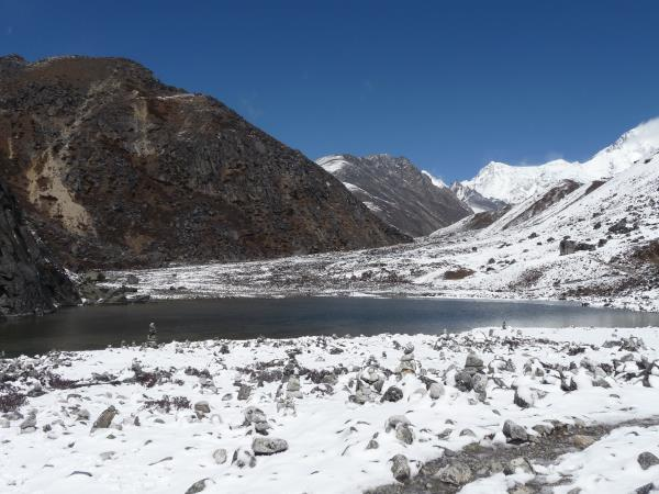 Trek to Everest base camp and Gokyo Lakes