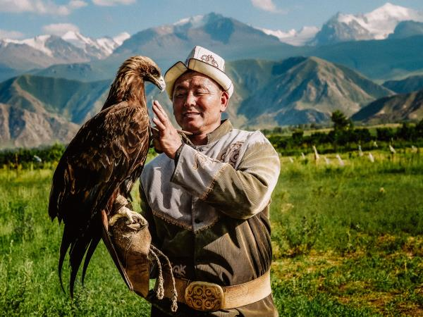 Kyrgyzstan Photography Tour, Eagle hunters