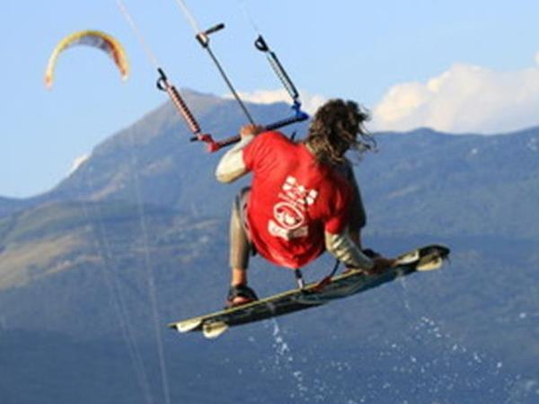 Kitesurfing on Lake Como holiday