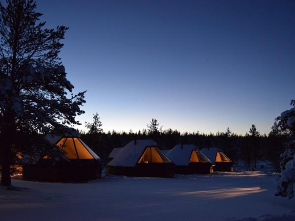 Northern Lights family holiday, tailor made