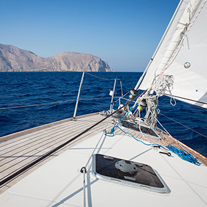 Sailing holidays in Greece travel guide