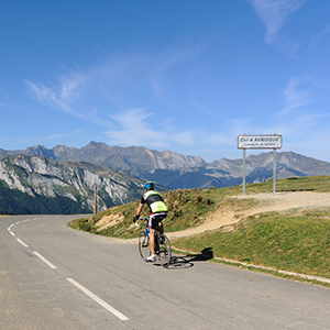Raid Pyrenean cycling holidays