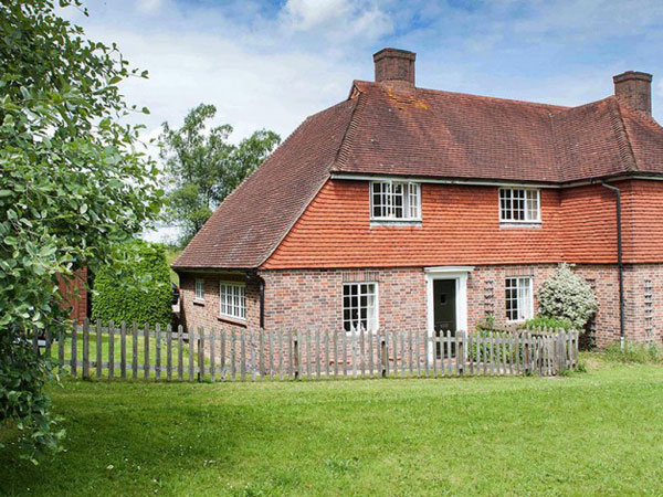 South Downs 2 bedroom cottage, England