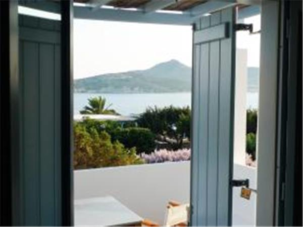 Seaside accommodation in Greece, Antiparos Island