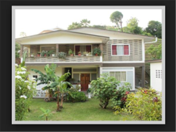 Tobago B&B studios and apartments, Les Coteaux