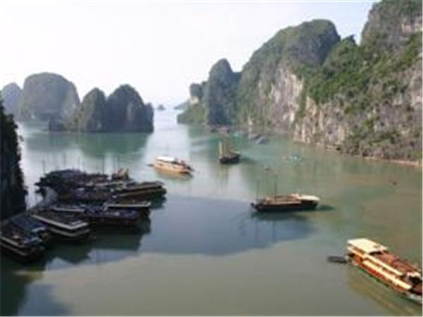 Vietnam revealed, tailor made tour