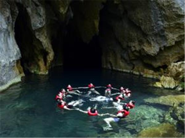 Vietnam holiday, caving in Quang Binh