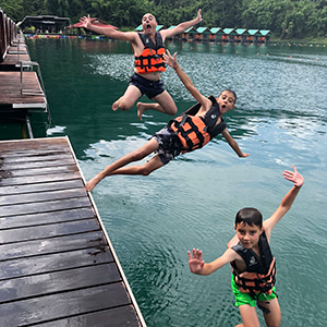 Why choose a family tour to Thailand?