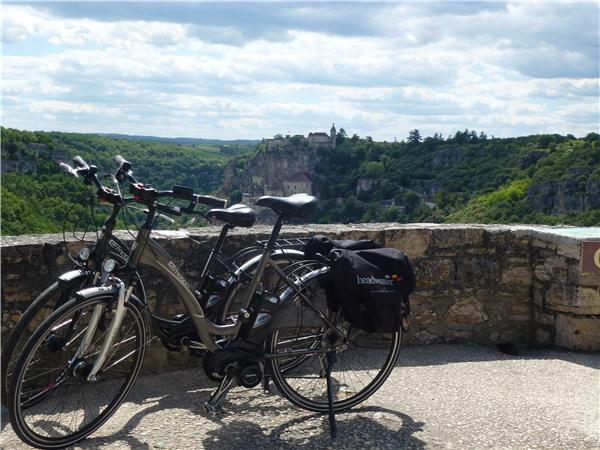 Dordogne self guided cycling tour, France