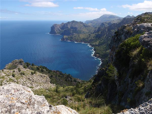 Mallorca walking holiday in the Balearic Islands, Spain