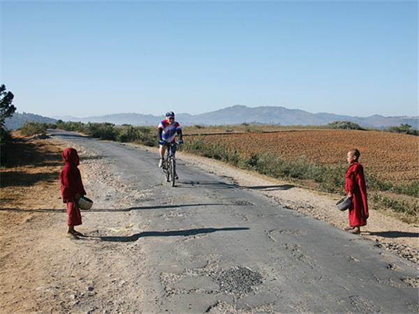 Burma cycling holiday