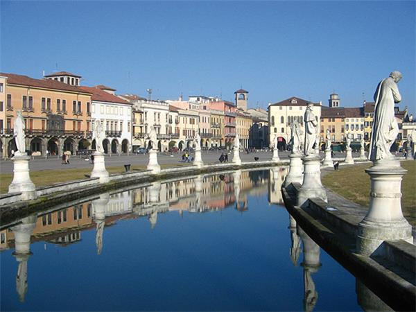 Cycling tours in Italy, Dolomites, Lake Garda & Venice