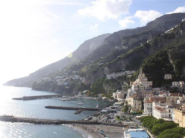 Southern Italy small group holiday, Amalfi to Bari