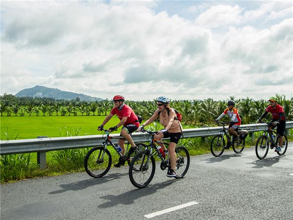 Vietnam cycling holiday, small group