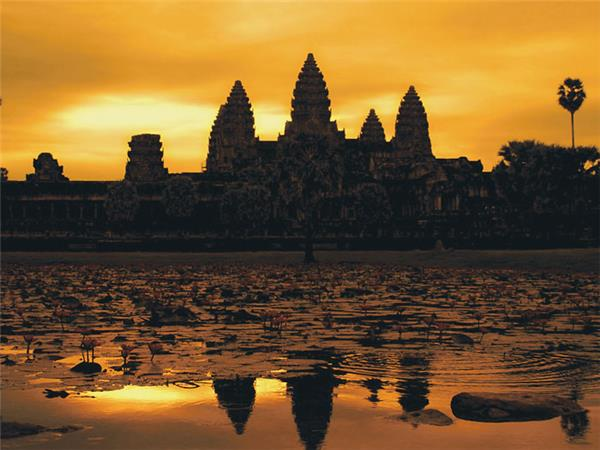 Cambodia tour, small group