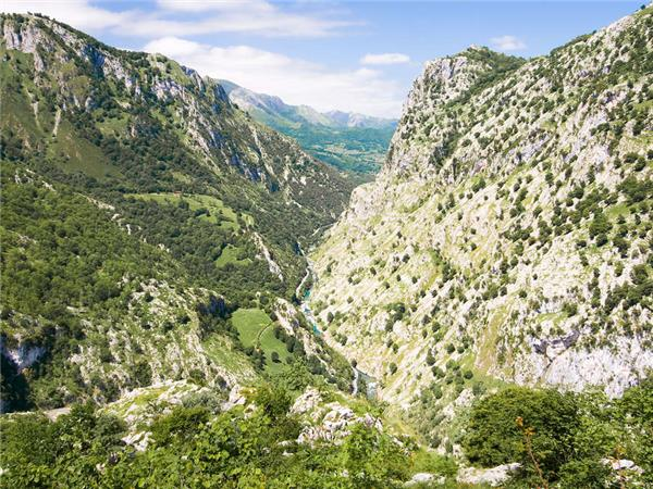 Trekking holiday in the Picos de Europa