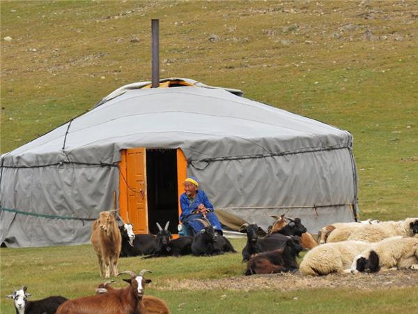 Mongolian silk route overland truck tour