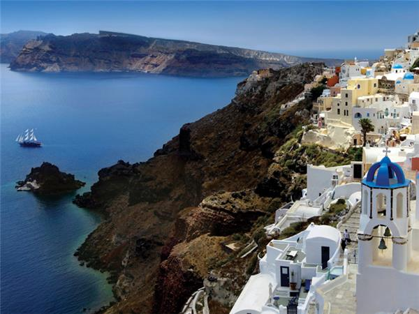 Sailing holiday in Greece, Mykonos to Santorini