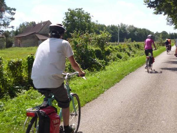 Cycling holidays in Burgundy, France