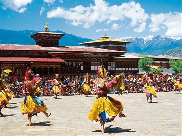 Bhutan holiday, Land of the thunder dragon