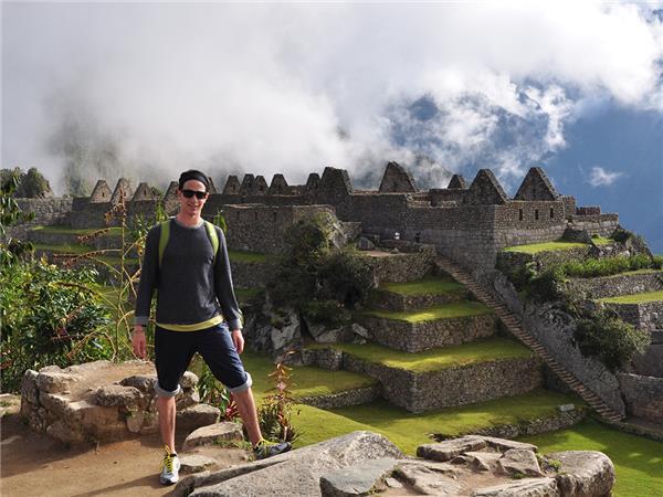 Peru adventure holiday, Sacred Land of the Incas  Helping