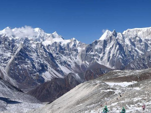 Manaslu Circuit trekking holiday in Nepal