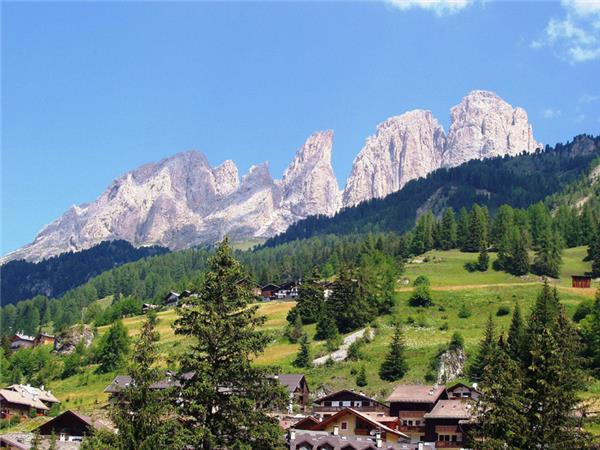 Western Dolomites walking tour in Italy